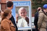 Wystawa plenerowa o papieżu Janie Pawle II w Lubinie [ZDJĘCIA]