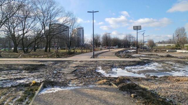 Park Zachodni posprzątany ale nadal nie wiadomo kiedy ponownie ruszą prace