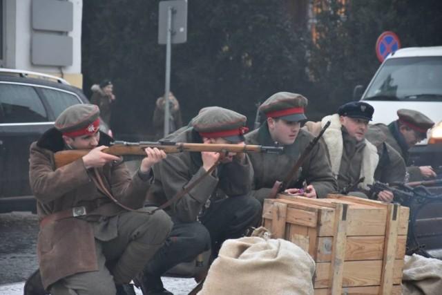 Inscenizacja w 100. rocznicę wyzwolenia Żnina podczas Powstania Wielkopolskiego została zorganizowana przy Muzeum Ziemi Pałuckiej w styczniu 2019 roku. Niewątpliwie w najbliższą niedzielę, tym razem w parku, będzie równie atrakcyjnie.