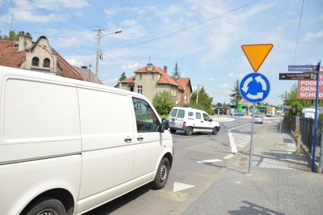 Kierowcy jadący od centrum nie mają teraz pierwszeństwa na ulicy Trudnej