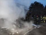 Pożar ciężarówki na ulicy Rawskiej w Skierniewicach. PSP Skierniewice w akcji ZDJĘCIA