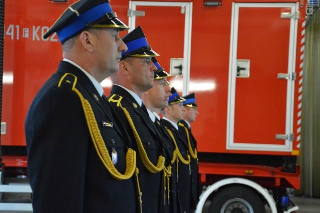 W piątek 14 maja 2021 żagańscy strażacy obchodzili swoje święto. Sprawdźcie, kto dostał awans i nagrody!