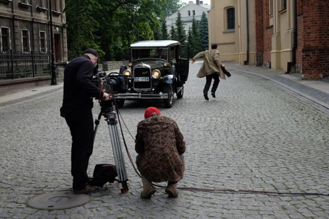 """""""Sensacje XX wieku"""" : plan zdjęciowy w Poznaniu"""