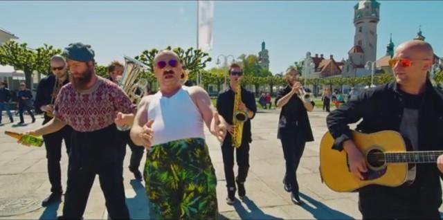"""Teledysk do piosenki """"Chwilówka"""" Grzegorza Halamy nagrany w Sopocie"""