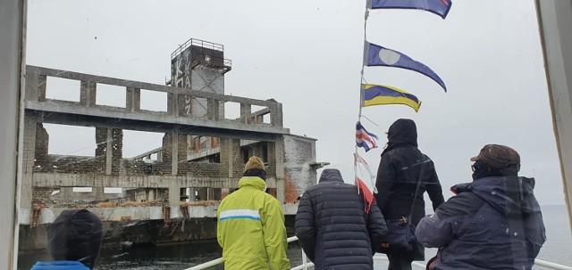 """Jednostką """"Star One"""" wybrali się oglądać poniemieckie torpedownie na Zatoce Puckiej"""