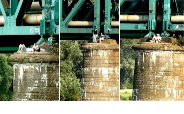 """- Ludzie """"plażują"""" na podporach mostu Gdańskiego - alarmuje nas ..."""
