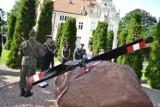 Święto 49 Bazy Lotniczej: Odsłonięcie pomnika pamięci lotników i pokaz sprzętu wojskowego