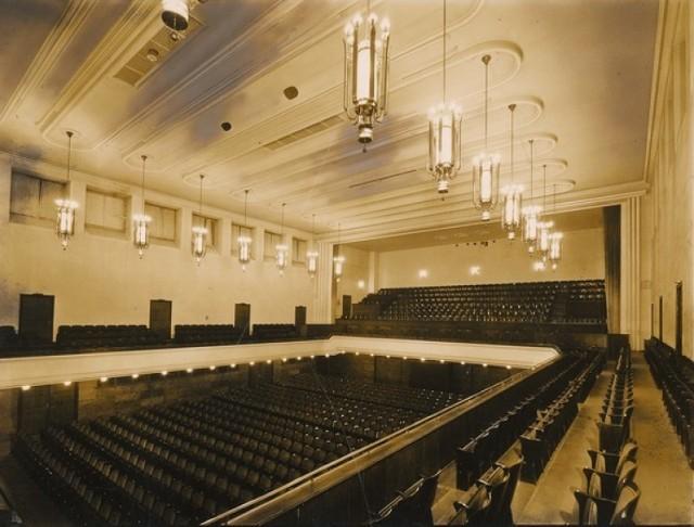 Teatr Państwowy w Domu Dziękczynnym Rzeszy (Reichsdankhaus) w Pile, Paul Bonatz