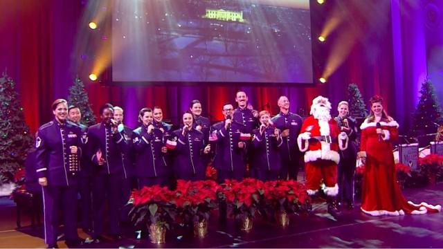 """Jingle Bells"""" po polsku! Amerykanie składają Polakom życzenia świąteczne. Ambasada USA ma nowy filmik! [TEKST POLSKI, ANGIELSKI, HISTORIA]"""