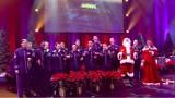 Jingle Bells (Pada śnieg) po polsku śpiewa zespół Singing Sergeants! Amerykanie składają Polakom życzenia [TEKST POLSKI, ANGIELSKI, WIDEO]