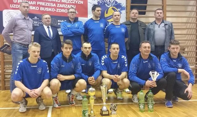 Siatkarska drużyna Buskowianka Busko-Zdrój zajęła trzecie miejsce w turnieju o puchar prezesa uzdrowiska.