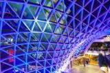 Szklana kopuła Złotych Tarasów zaświeci na niebiesko. Centrum handlowe przyłączy się do ważnej akcji