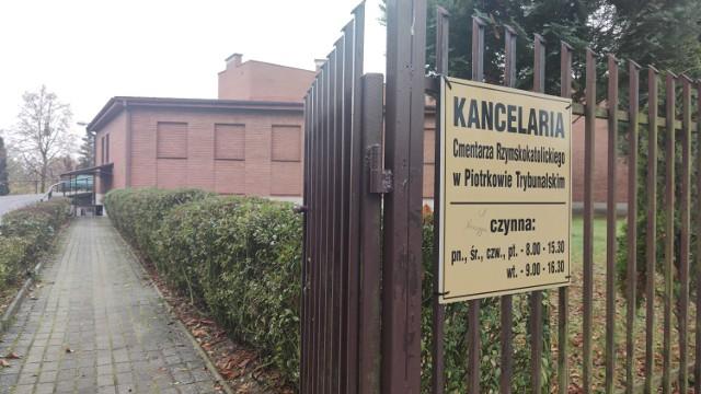 Ile kosztuje pogrzeb? CENNIK opłat pogrzebowych na cmentarzach w Piotrkowie, Łodzi, Tomaszowie, Brzezinach, Zgierzu, Pabianicach, Aleksandrowie, Konstantynowie