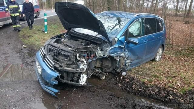 Na trasie Opole - Kluczbork zderzyły się trzy samochody.