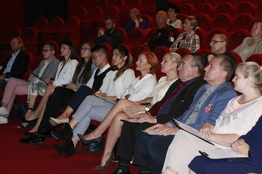 Narodowe Czytanie w  Konińskim Domu Kultury .W tym roku czytano nowele .