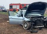 Wypadek na DK 62 w Chełmcach. dwie osoby w szpitalu. Zdjęcia