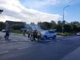 Pożar samochodu na ulicy Szklanej w Radomiu. Spłonęła komora silnika