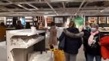 KATOWICE. W IKEI pojawiła się masa klientów Sklep jest czynny mimo lockdownu. Zobacz ZDJĘCIA