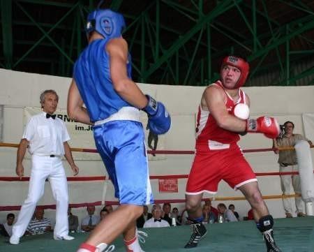 Podczas turnieju ostatnią w karierze walkę, zwycięską, stoczył Sławomir Malinowski (czerwony kask) z Wisły Tczew. FOT. ZBIGNIEW BRUCKI