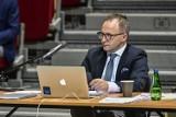 Sesja Rady Miasta Sopotu 21.05.2020. Zmiany w budżecie. Wydatki miasta zostały zwiększone przez epidemię koronawirusa o ponad 1,5 mln zł