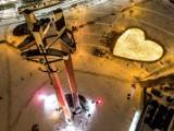 Gigantyczne serce ze zniczy na Placu Solidarności w Gdańsku! Zapal światło pamięci Pawła Adamowicza