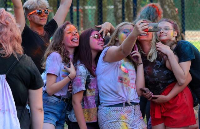"""Festiwal kolorów odbędzie się na plaży ośrodka """"Delfin"""" nad Rudnikiem"""