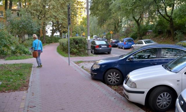 Zieleń w Lublinie. Nowy parking kosztem żywopłotu?