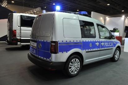 W fabrykach w Poznaniu i Wrześni zbudują blisko 400 nowych samochodów dla polskiej policji [ZDJĘCIA]