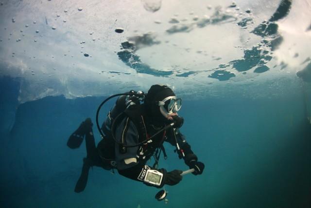 Polacy zanurkowali w najwyżej położonym jeziorze na świecie