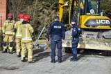 Leszno. Pocisk moździerzowy wydobyty w czasie prac ziemnych obok Szkoły Podstawowej numer 5 w Lesznie [ZDJĘCIA i FILM]