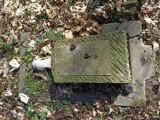 Skandal na cmentarzu w Podłej Górze. Ktoś zniszczył pomniki na poniemieckim cmentarzu