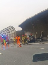Samochód stanął w ogniu na AOW. Zobacz zdjęcia!