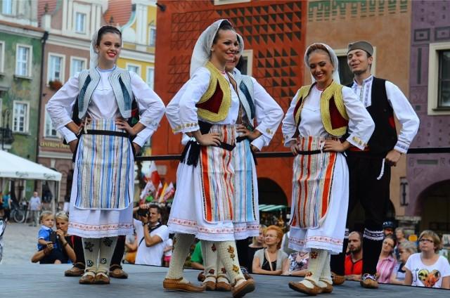 Przez kilka dni w sierpniu mieszkańcy Wielkopolski uczestniczyć mogą w koncertach, podczas których występują zespoły folklorystyczne z całego świata.