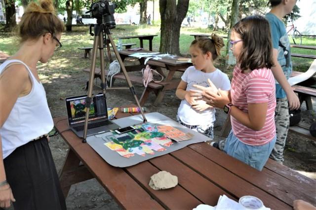 W ogrodzie Goleniowskiego Domu Kultury odbyły się zajęcia z animacji poklatkowej