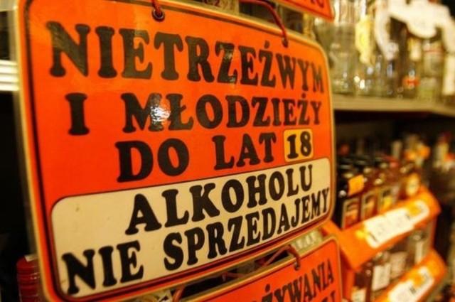 - W Polsce mamy 66 tys. sklepów z koncesją alkoholową – mówił dziennikarzom na konferencji prasowej dyrektor generalny Stocka, Marek Sypek. – Aby zrobić dobre badanie rynku, wypadałoby przebadać chociaż 2 tys. z nich, aby dane dotyczące faktycznego spożycia alkoholu były jak najbardziej rzetelne.