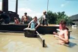 To było STRASZNE! Tak wyglądał Śląsk 24 lata temu. Zobacz 50 wstrząsających zdjęć z Powodzi Tysiąclecia