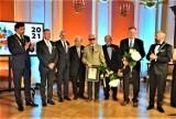 Uroczysta Sesja Rady Miasta Kalisza. Uhonorowano zasłużonych kaliszan ZDJĘCIA