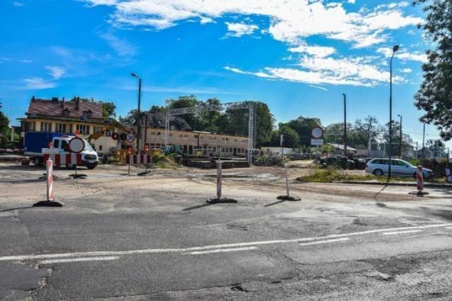 Przebudowa obejmie najbardziej zniszczony odcinek ulicy Chrobrego - od siedziby ZDP do przejazdu kolejowego