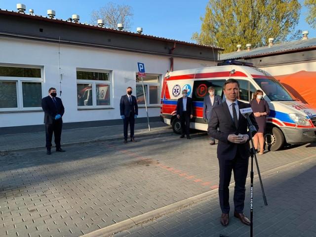 Starosta Grzegorz Garczyński przyznaje, że zakup nowego RTG to tylko jeden z kilku celów, które powiat chce zrealizować na rzecz szpitala w tym roku.