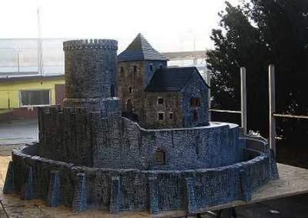 Miniatura zamku jest 25 razy mniejsza od pierwowzoru.