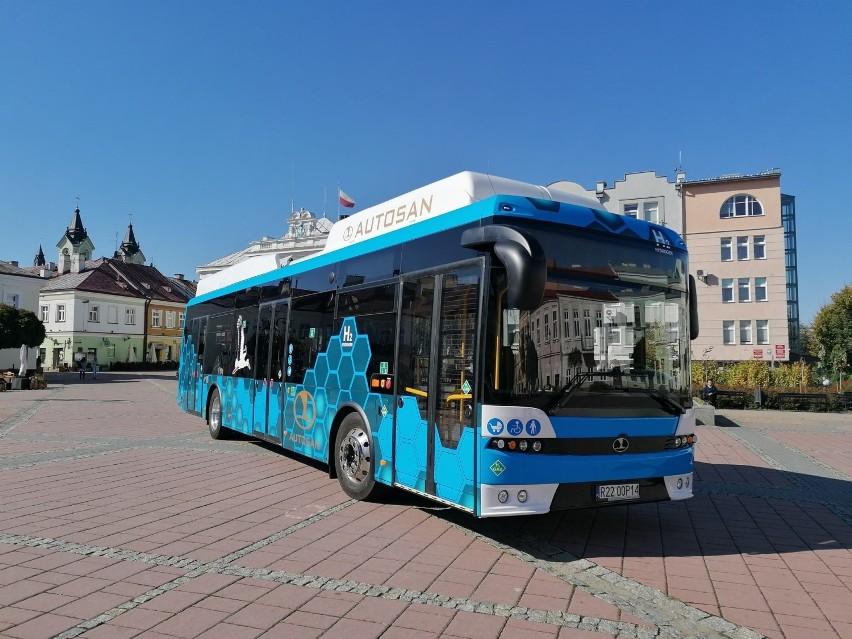 Polski autobus wodorowy z Sanoka. Znamy datę oficjalnej premiery [ZDJĘCIA]