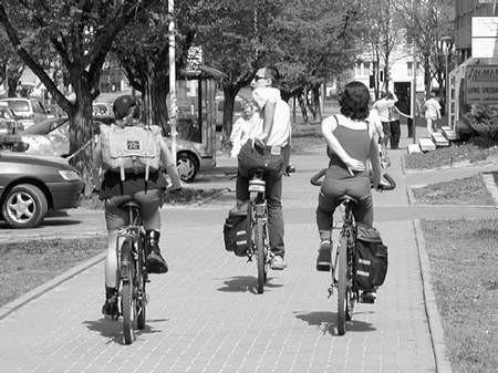 Cyklistom brakuje tras wyłącznie dla nich. Foto: JAKUB MORKOWSKI
