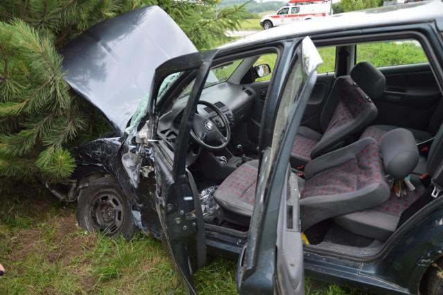 Wypadek na DW967 w Gierczycach, trzy osoby zostały ranne, 2.07.2021
