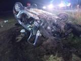 Samochód dachował w środku nocy. Kierowca był pijany!