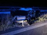 Tragiczny finał nocnej jazdy pod prąd na drodze S3 koło Nowego Miasteczka. Kierowca zginął na miejscu