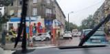 Zderzenie samochodów w centrum Dąbrowy Górniczej. Mężczyzna trafił do szpitala