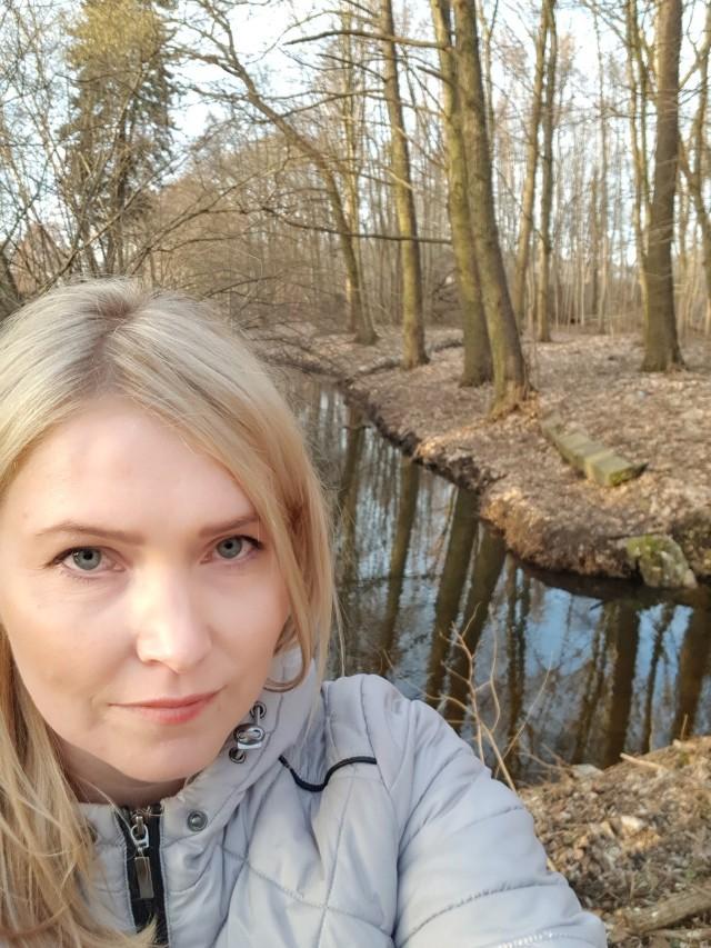 Autorka tekstu Alicja Laszuk koło Kłodawki przy rondzie szpitalnym na ul. Wyszyńskiego