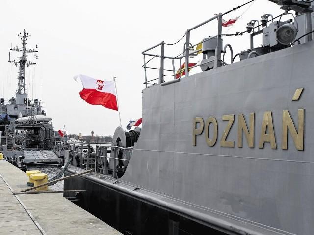 W ramach dnia patrona szkoły uczniowie przejdą m.in. chrzest morski   Okręt ORP Poznań cumuje w porcie w Świnoujściu