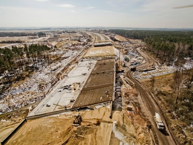 Budowa A1 trwa w najlepsze. Zobaczcie niezwykłe ujęcia z drona [ZDJĘCIA]