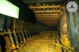 Podziemne tunele w Lubaniu z czasów II wojny światowej ujrzały światło dzienne. Udało im się wejść do środka! Co znaleźli? [ZDJĘCIA]